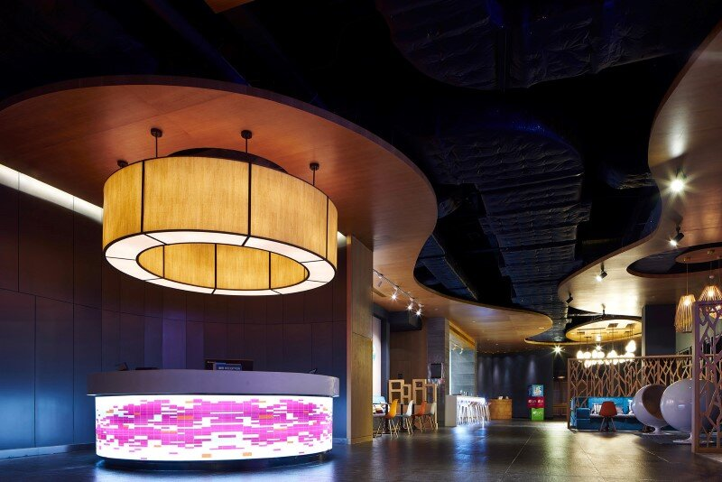Aloft boutique hotel has a bold and elegant new identity in China (14)