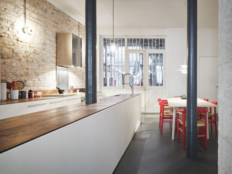 Apartment in Paris with a gorgeous interior design customized with walnut and glass (10)
