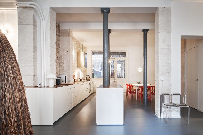 Apartment in Paris with a gorgeous interior design customized with walnut and glass (9)