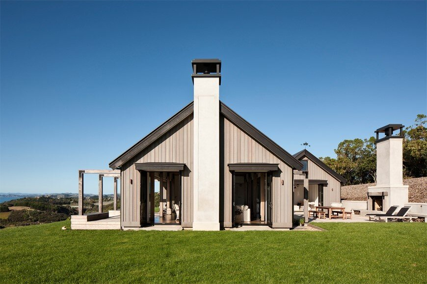 Bold architecture with maximum exposure to the views and seasonal rhythms - Owhanake Headland 2