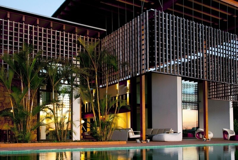 Brasil house with contemporary design placed in the Brazilian Atlantic Forest (15)