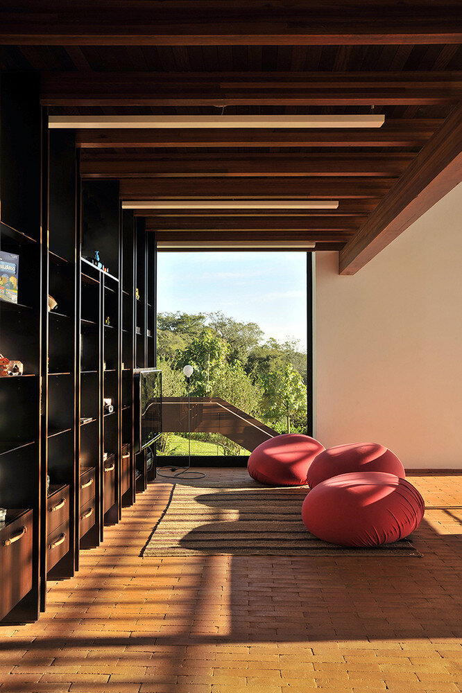 Brasil house with contemporary design placed in the Brazilian Atlantic Forest (21)