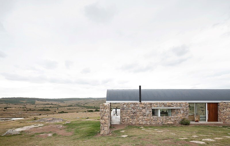 Calera del Rey House stone structure with a vaulted roof (1)