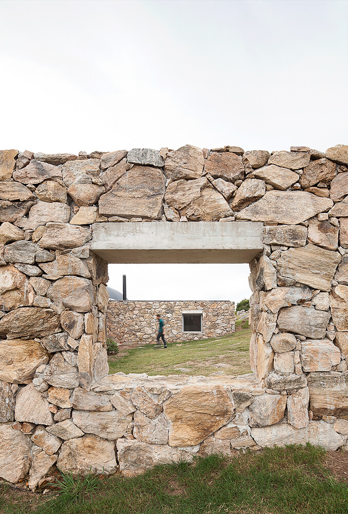 Calera del Rey House stone structure with a vaulted roof (16)