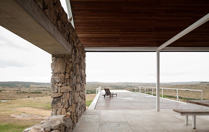 Calera del Rey House stone structure with a vaulted roof (6)