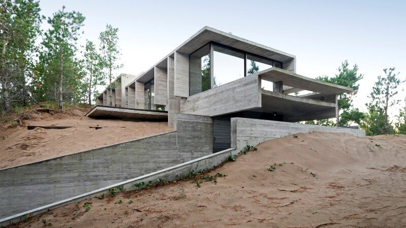 Concrete structure inspires confidence and durability Wein House (2)