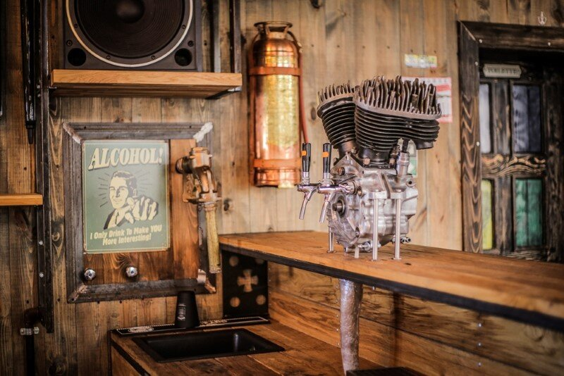 Crazy BBQ - original country complex with industrial-vintage style (3)