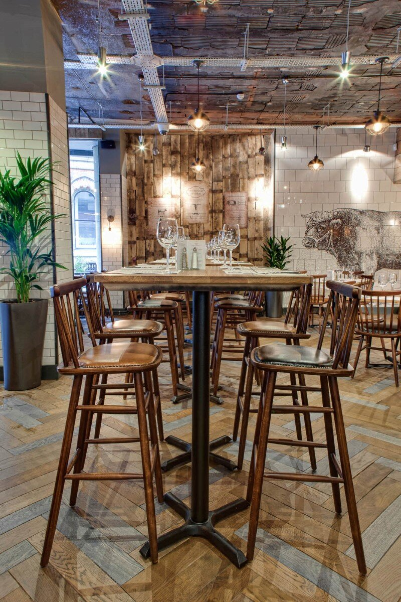 DV8 Designs has created a true rustic feel in Beef and Pudding restaurant (15)