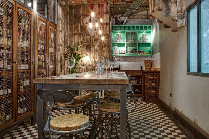 DV8 Designs has created a true rustic feel in Beef and Pudding restaurant (16)