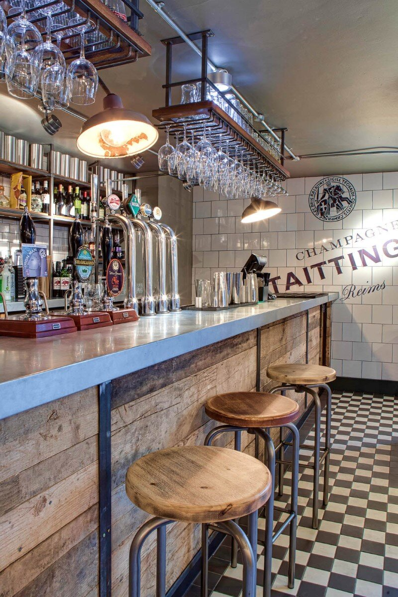 DV8 Designs has created a true rustic feel in Beef and Pudding restaurant (19)