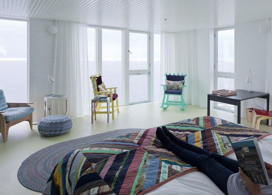 Fogo Island Inn by a timeless piece of architecture by Saunders (14)