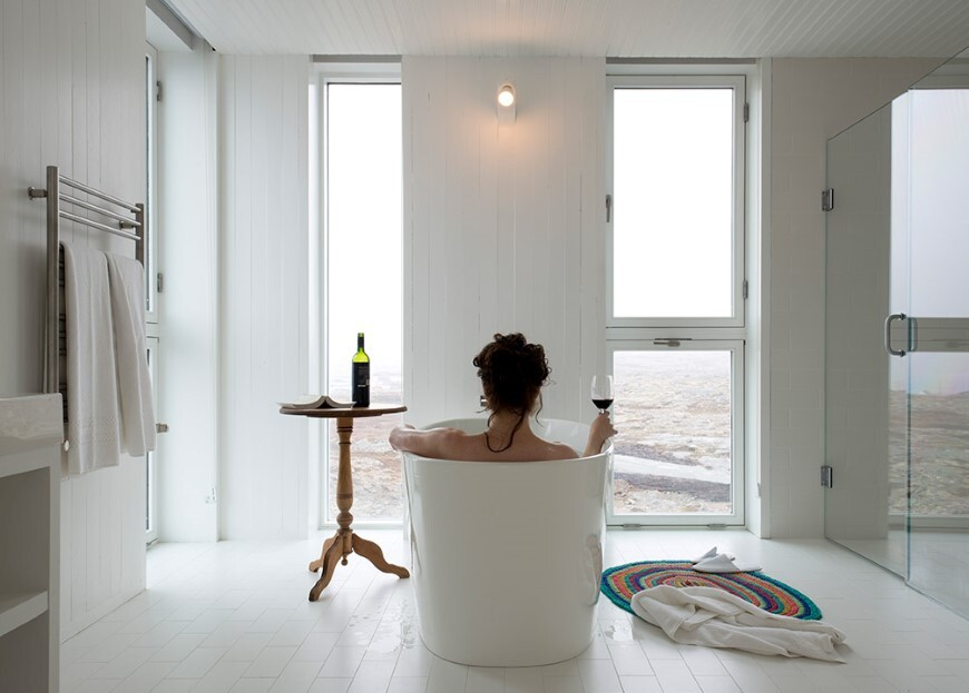 Fogo Island Inn by a timeless piece of architecture by Saunders (15)