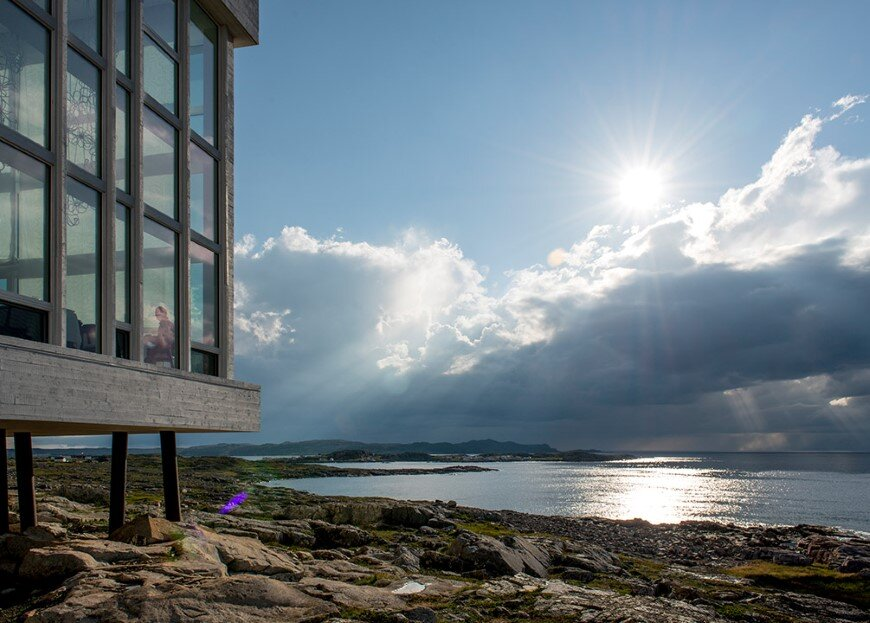 Fogo Island Inn by a timeless piece of architecture by Saunders (8)