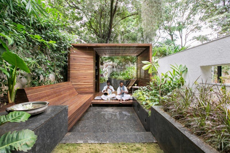 Garden pavilion for reading and relaxation in nature 1