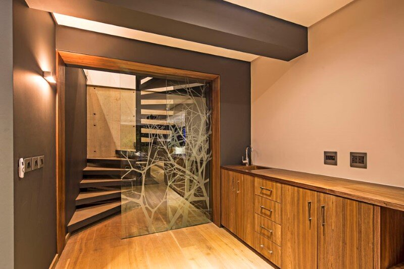 Googie style - Albizia House by Metropole Architects (21)