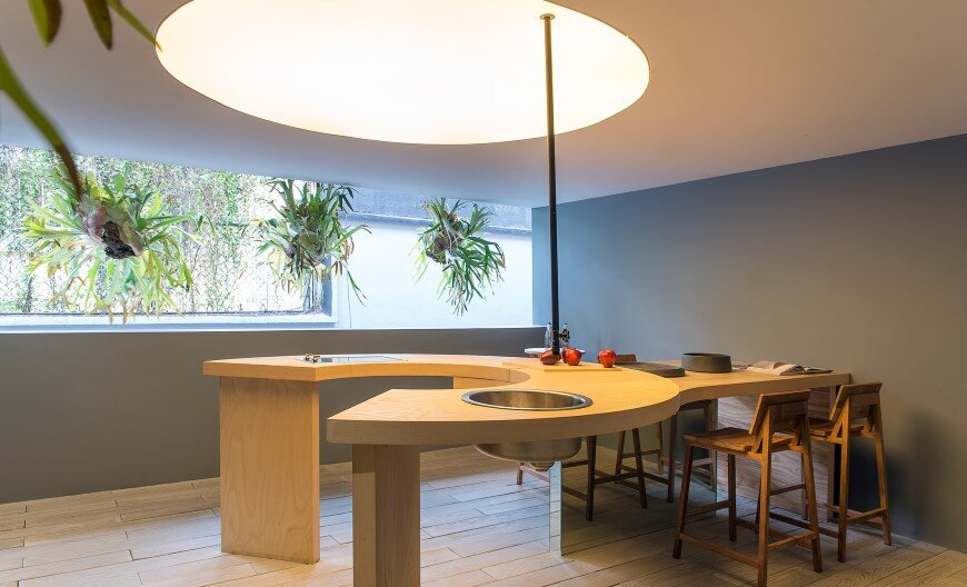 Kitchen design with subtlety of form and comfortable functionality (5)