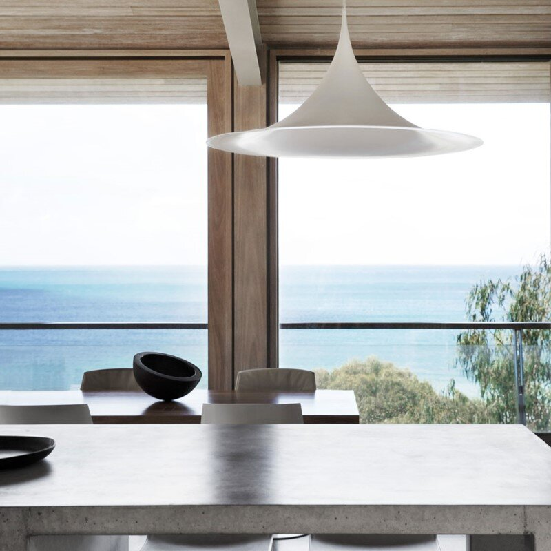 Ocean House sculpted from concrete, timber and glass (9)