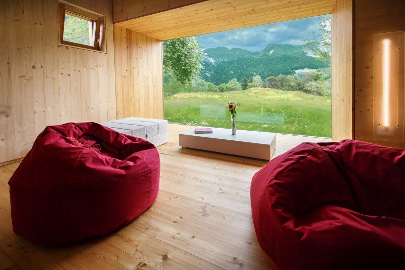 Old barn transformed into a meditative retreat in the mountains (12)