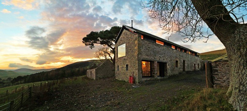 Old mill transformed into a modern holiday home (12)