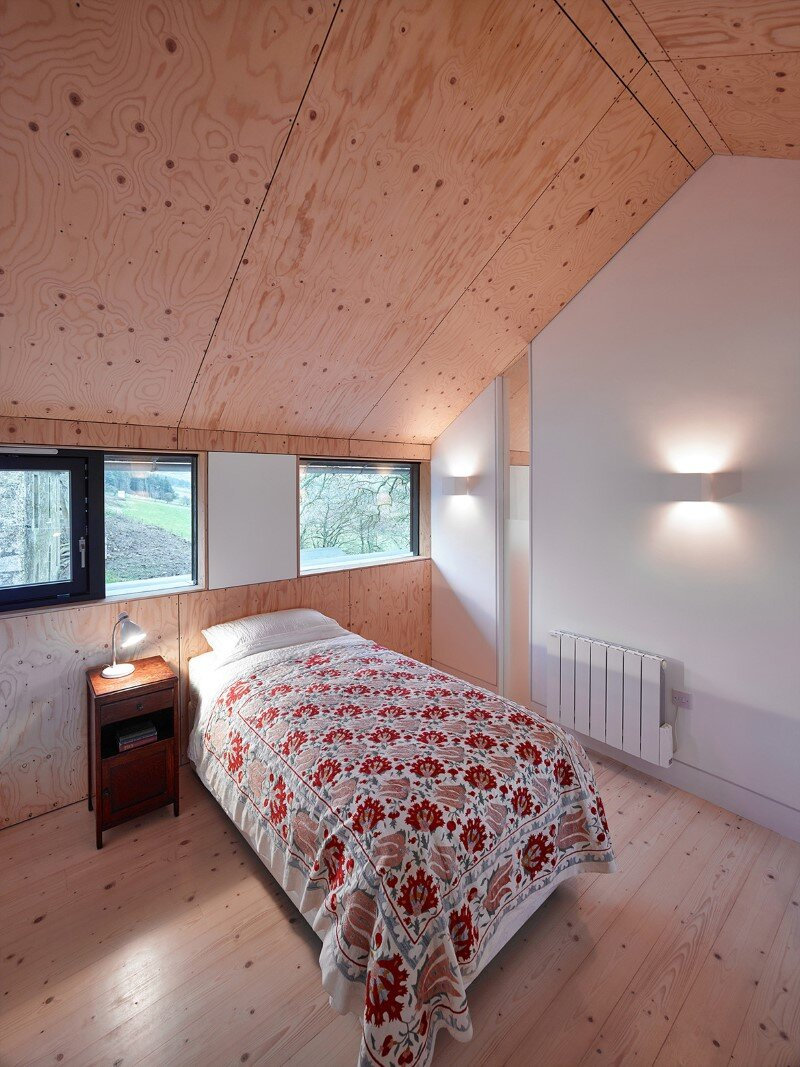 Old mill transformed into a modern holiday home (7)