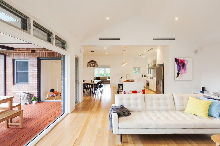 Red brick house - extended and transformed by Bijl Architecture (5)