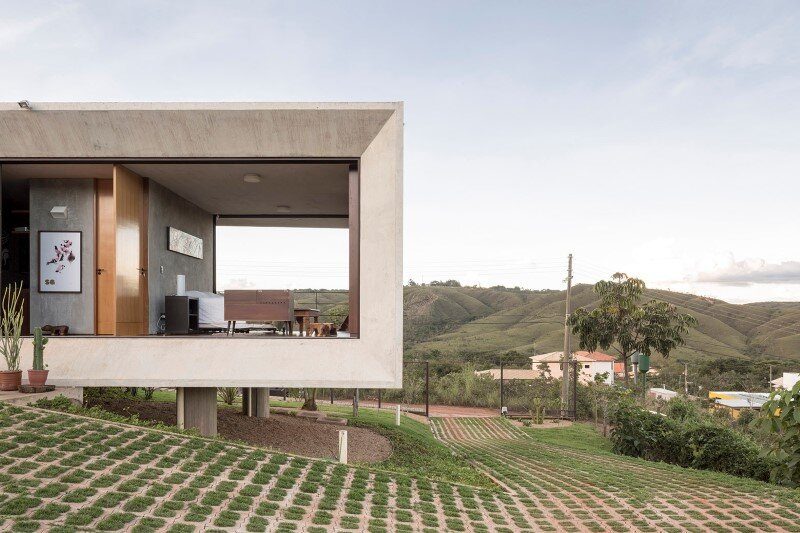 Reinforced concrete house with wide open spaces (10)