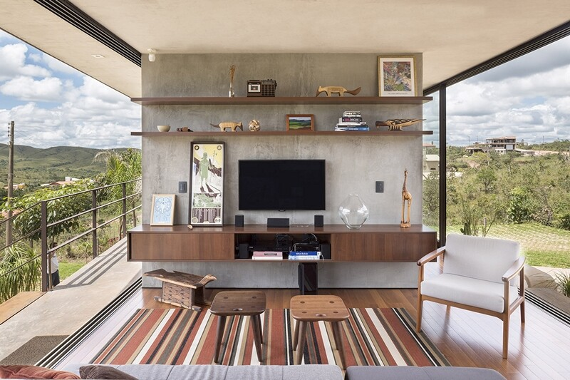 Reinforced concrete house with wide open spaces (14)