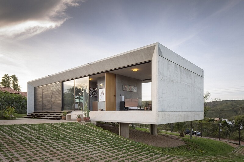 Reinforced concrete house with wide open spaces (15)