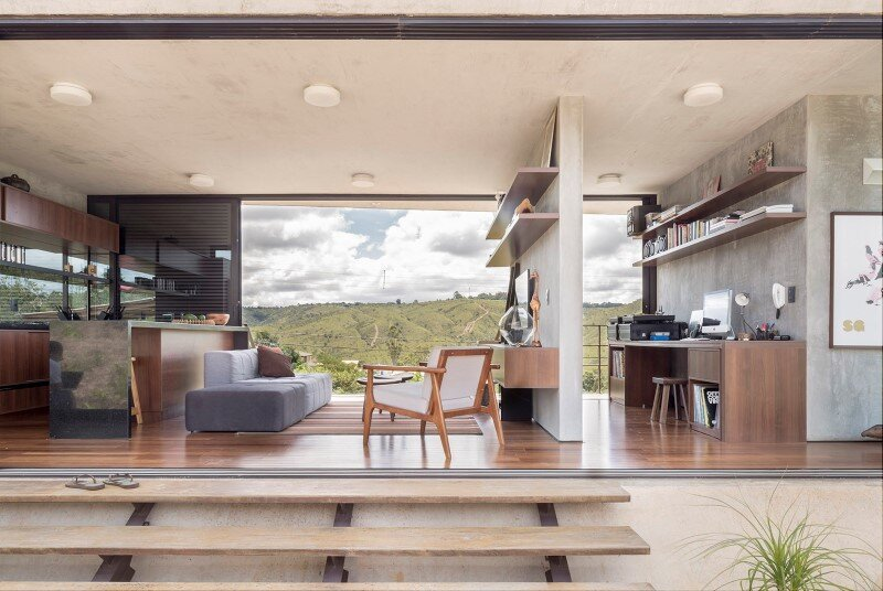 Reinforced concrete house with wide open spaces (3)