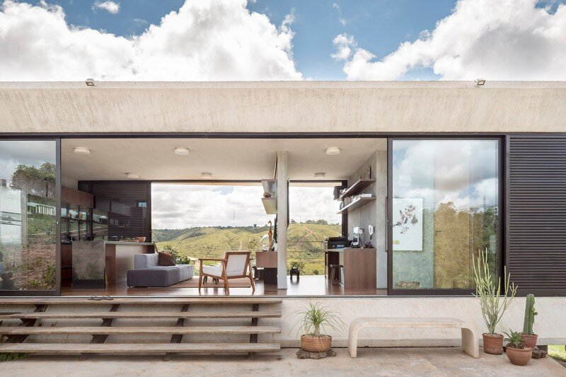 Reinforced concrete house with wide open spaces (4)