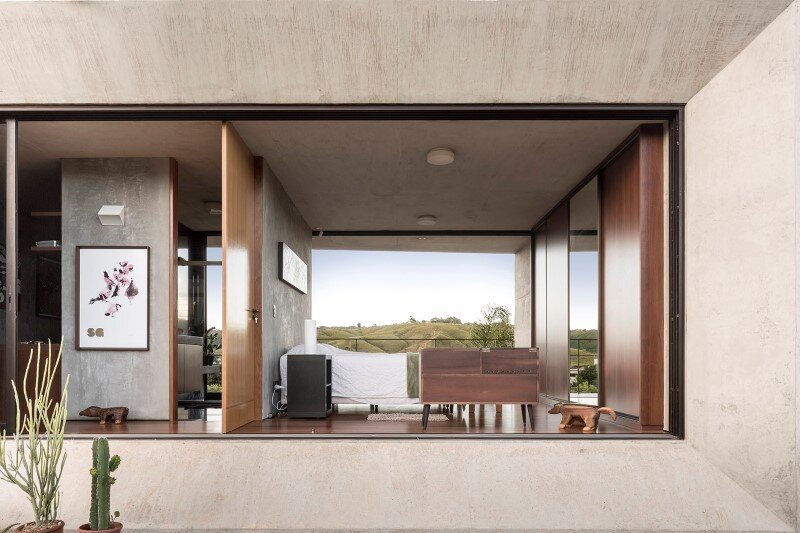 Reinforced concrete house with wide open spaces (5)