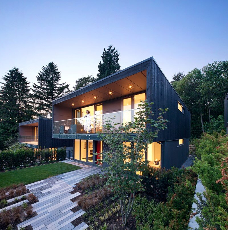 Set of three houses built in a quiet park in North Vancouver (9)