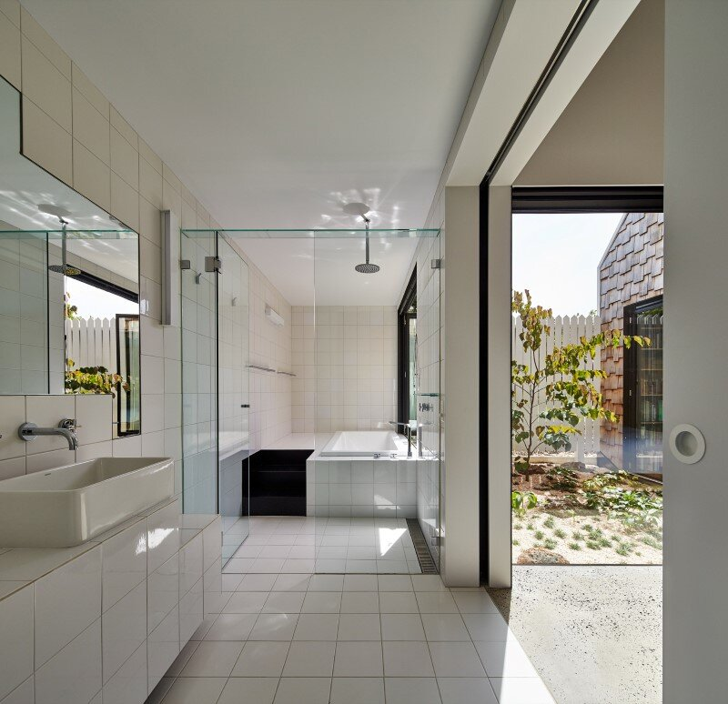 Weatherboard house - creative extension and renovation for a long-term family home (4)