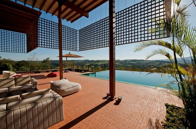 Weekend house with contemporary design placed in the Brazilian Atlantic Forest (1)