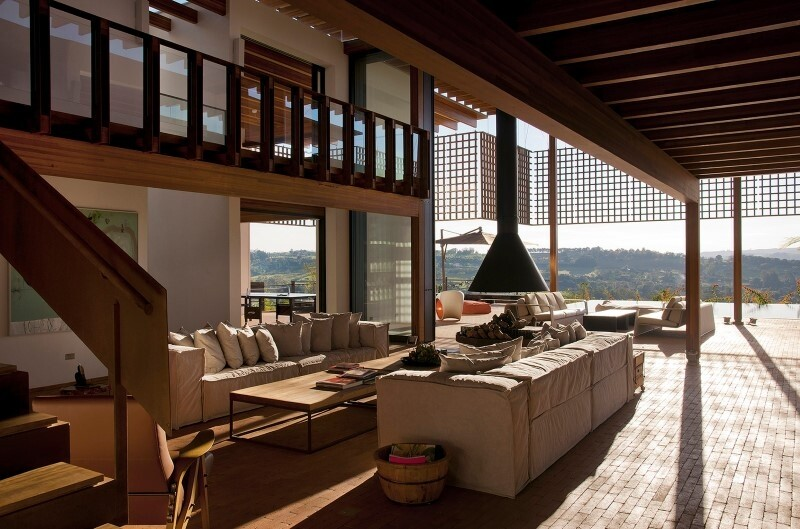 Weekend house with contemporary design placed in the Brazilian Atlantic Forest (5)