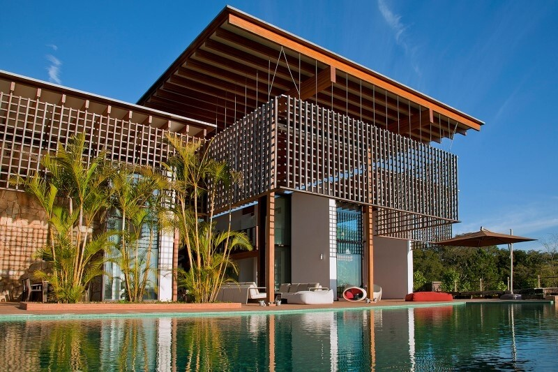 Weekend house with contemporary design placed in the Brazilian Atlantic Forest (7)