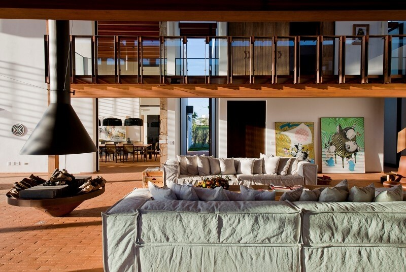 Weekend house with contemporary design placed in the Brazilian Atlantic Forest (9)