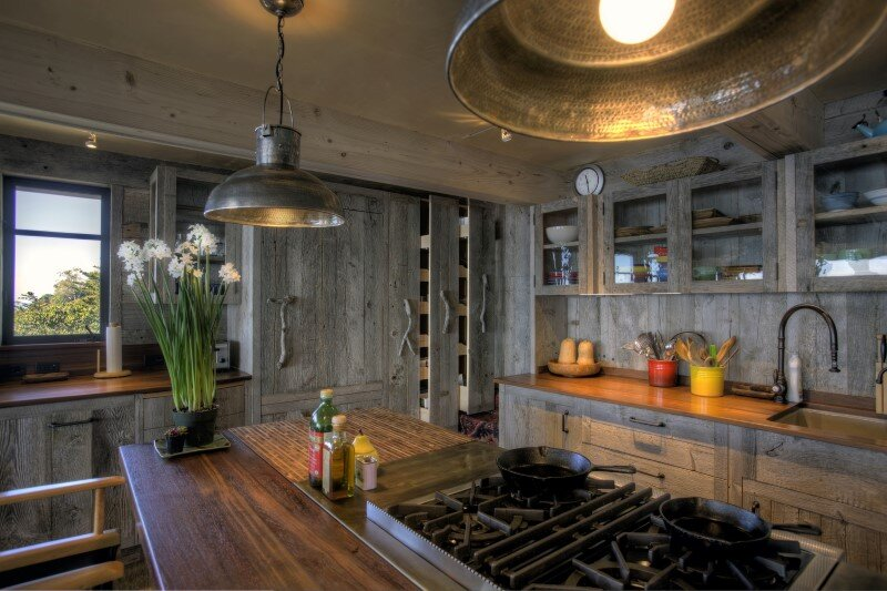 50's beach shack remodeled with live material (4)