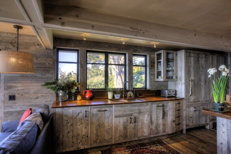 50's beach shack remodeled with live material (5)