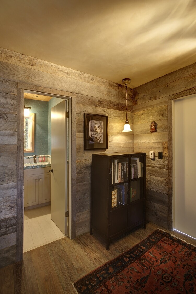 50's beach shack remodeled with live material (8)