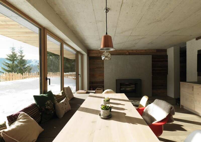 Alpine chalet - a combination of modern and traditional alpine elements (11)