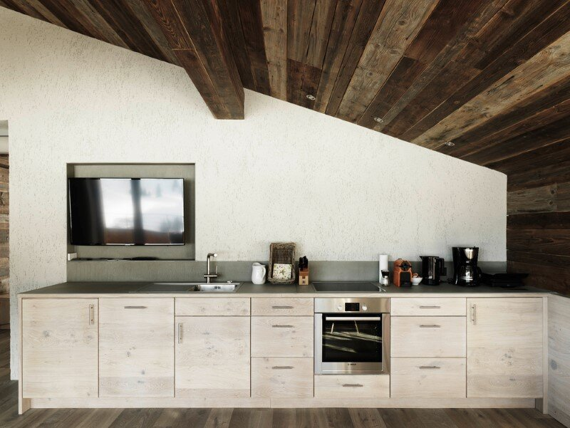 Alpine chalet - a combination of modern and traditional alpine elements (14)