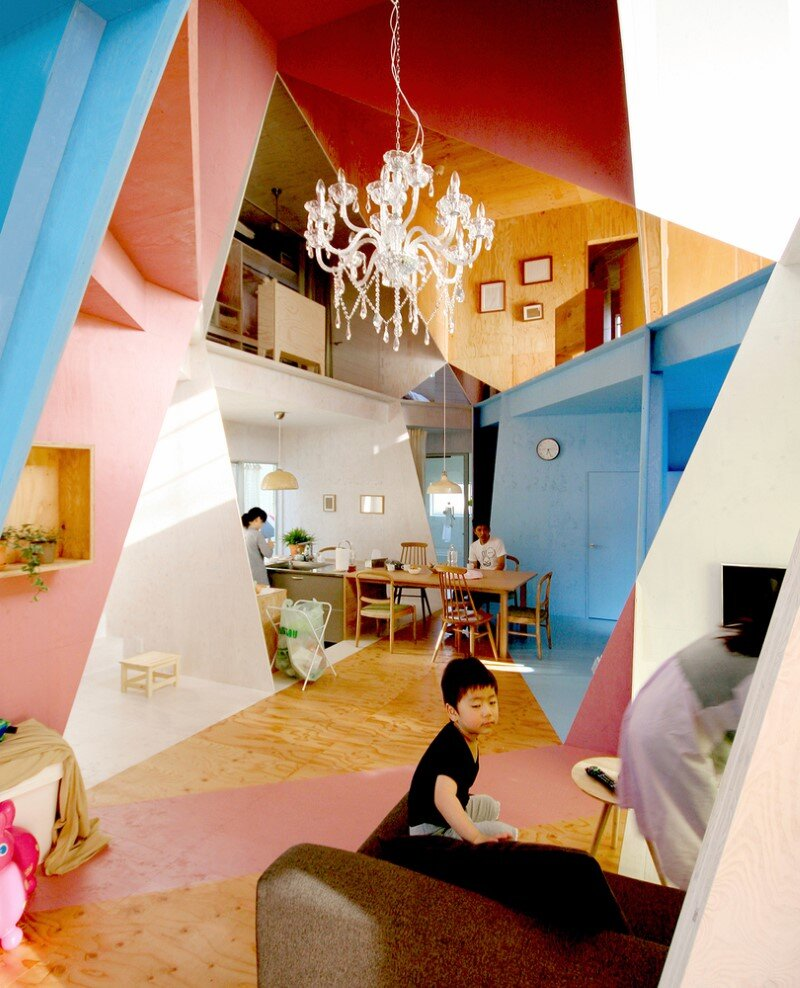 Apartment - House with an interior space full of color and dynamism (10)
