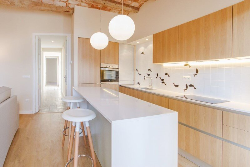 Beautiful apartment with modernist floors and high ceilings (10)