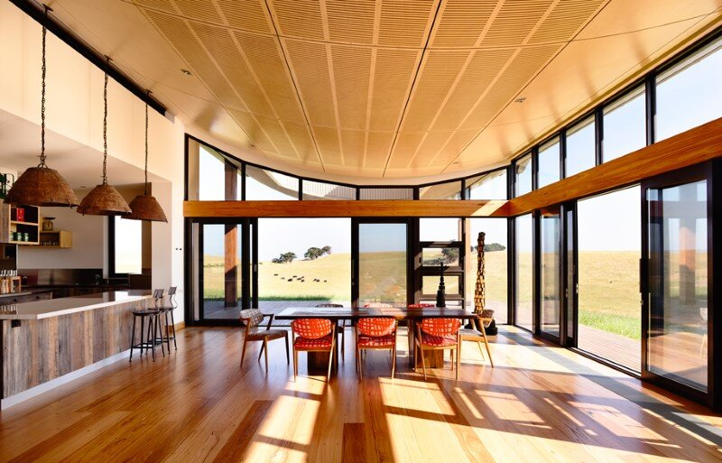 Flinders House located on the sweeping hill in coastal Victoria (10)