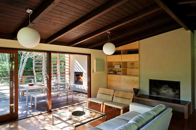Glade House - modern home with low-pitched gabled roof, raking ceilings and exposed rafters (1)