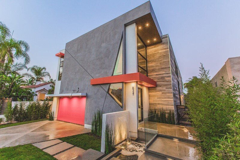 High-end modern mansion with discreet extravagant interiors (1)