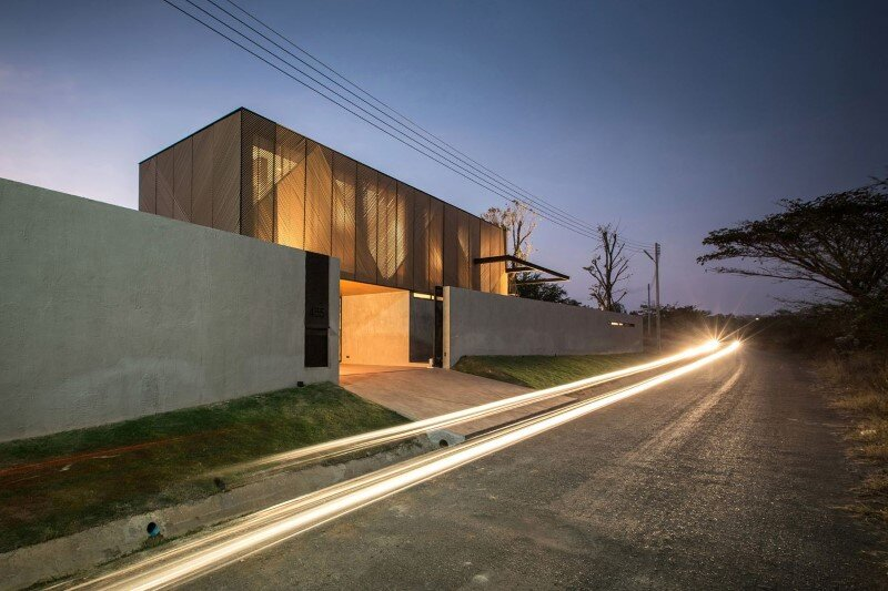 Concrete House by Idin Architects - Thai vacation house (18)
