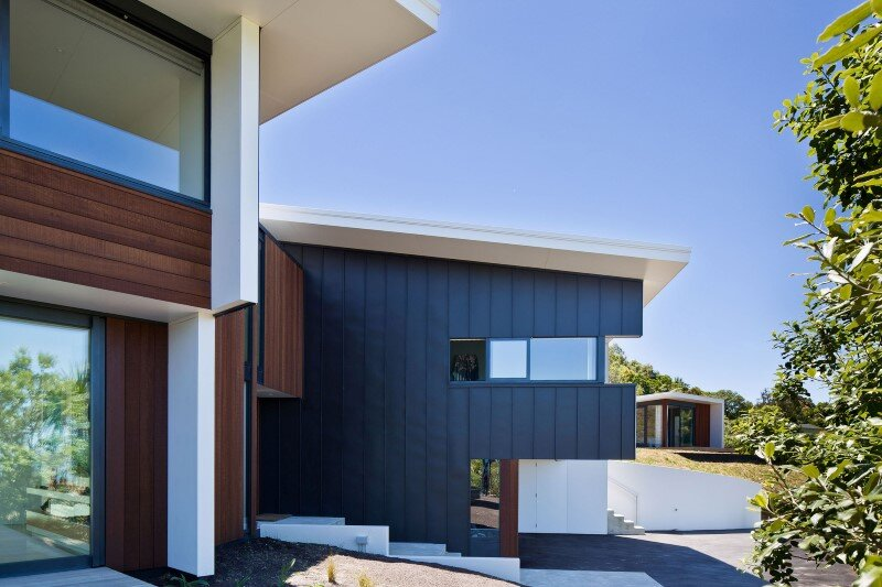 Korokoro House with expansive views over Wellington Harbour New Zealand (1)