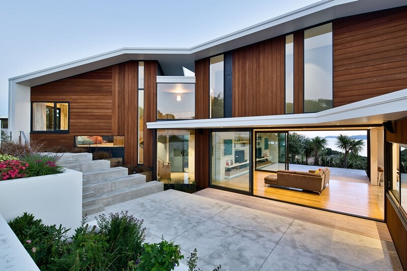 Korokoro House with expansive views over Wellington Harbour New Zealand (12)